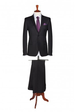 Man's suit – black 850